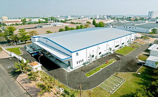 Nhà xưởng công nghiệp xây sẵn tăng nhiệt